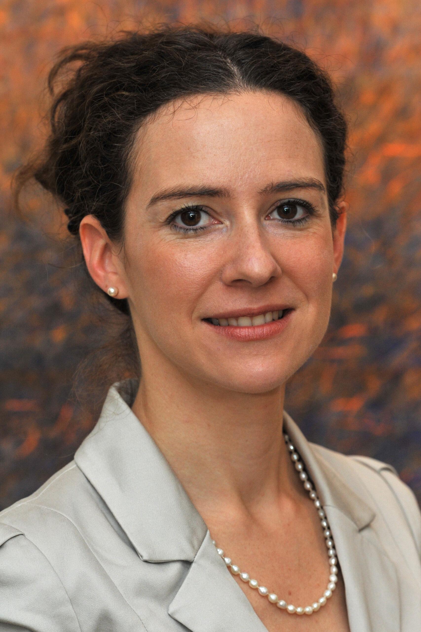 Session 2 Speaker: Emmanuelle Ganne